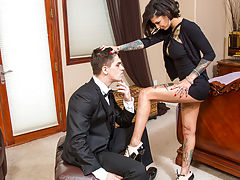 Bonnie Rotten is visiting her grandparents and is bored out of her mind. She has some time to kill before meeting up with her friends so she calls her grandparents butler over to entertain her. The butler assures her that hes not really a source of entert