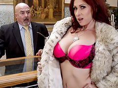 You can't expect a little thing like a robbery to get in the way of Tiffany Mynx's fun. She's at the store trying to get her thrills in the old-fashioned way, charging all kinds of jewelry and diamonds to her husband's account. But seeing that dashing thi